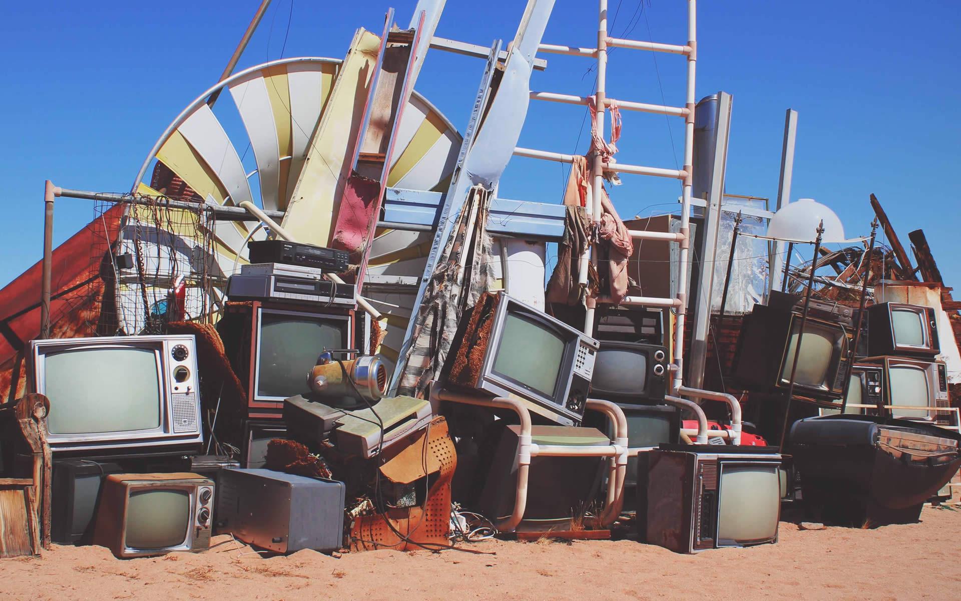 Vetro, plastica e silicio: l'End of Waste frena anche il riciclo dei RAEE