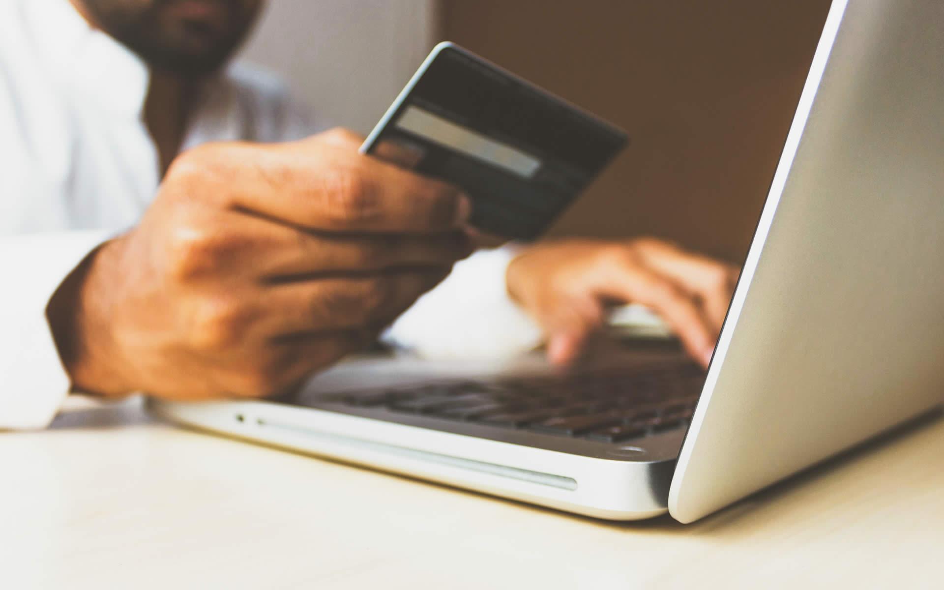 Cresce l'e-commerce, cresce anche il valore del servizio di consegna e ritiro